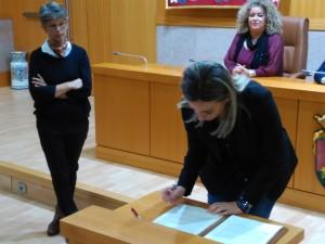Firma Manifiesto alcaldesa Toledo